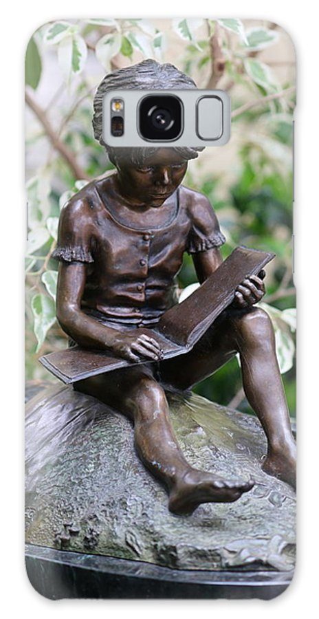 Statue Galaxy S8 Case featuring the photograph Girl Reading by Lindi Lambert