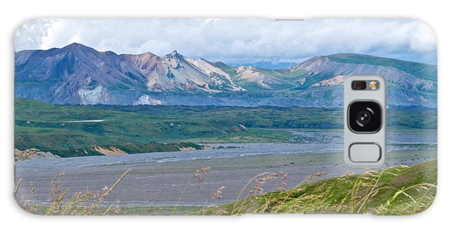 Glaciers And Mountains From Eielson Visitor's Center Galaxy S8 Case featuring the photograph Glaciers And Mountains From Eielson Visitor's Center In Denali Np-ak by Ruth Hager