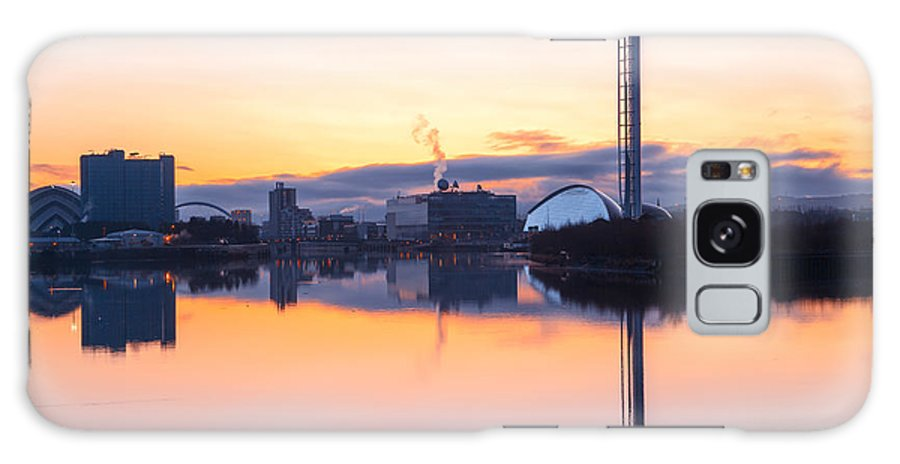 Science Centre Galaxy S8 Case featuring the photograph Glasgow Waterfront At Dawn Boxing Day by John Farnan