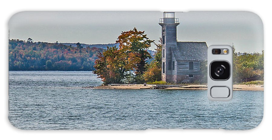 Lighthouse Galaxy S8 Case featuring the photograph Grand Island Lighthouse. by Jim Rettker