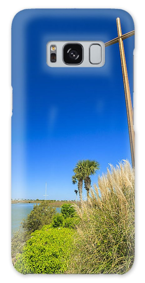 Catholic Galaxy S8 Case featuring the photograph Great Cross by Raul Rodriguez