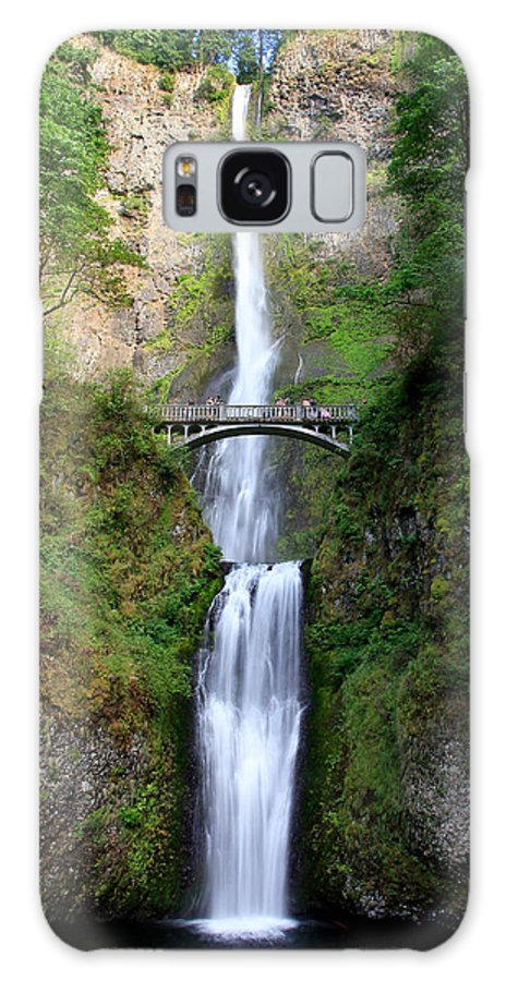 Multnomah Falls Galaxy S8 Case featuring the photograph Greenery Of Multnomah Falls by Athena Mckinzie