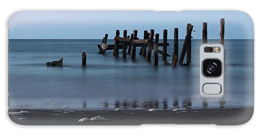 Happisburgh Beach Galaxy S8 Case featuring the photograph Happisburgh Beach Groynes by Avril Harris