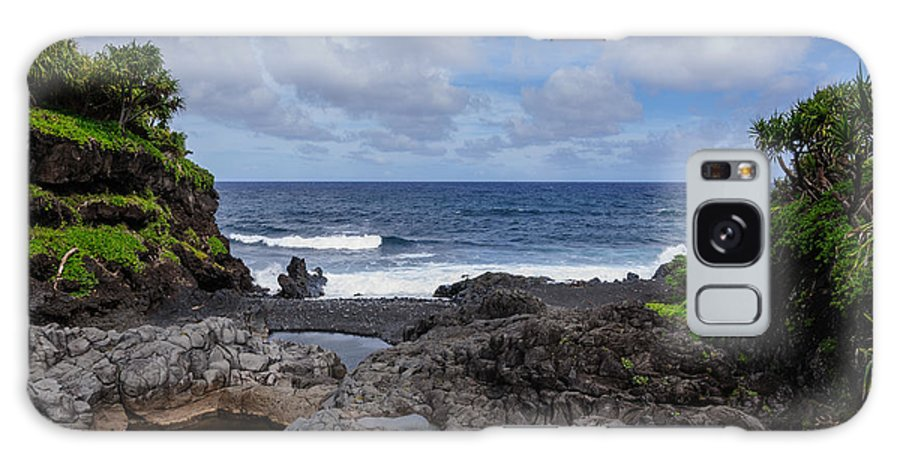 Hawaii Galaxy S8 Case featuring the photograph Hawaiian Surf by John Johnson