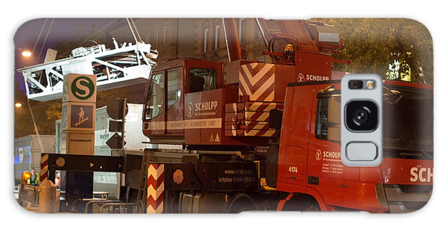 Truck-mounted Crane Galaxy S8 Case featuring the photograph Heavy Lifting by Frank Gaertner