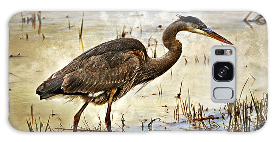 Birds Galaxy S8 Case featuring the photograph Heron On A Cloudy Day by Marty Koch