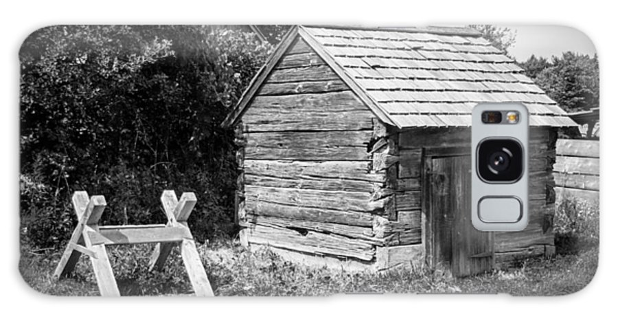 Guy Whiteley Photography Galaxy S8 Case featuring the photograph Hetchler House Shed by Guy Whiteley