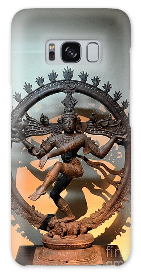 Siva Galaxy S8 Case featuring the photograph Hindu Statue Of Shiva In Nataraja Dance Pose by Imran Ahmed