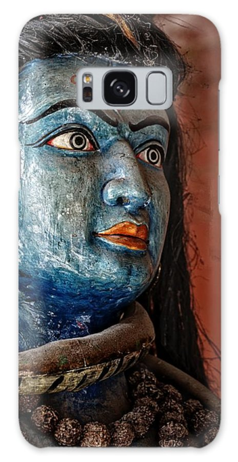Portrait Galaxy S8 Case featuring the photograph Hindugod by Rene Schuiling
