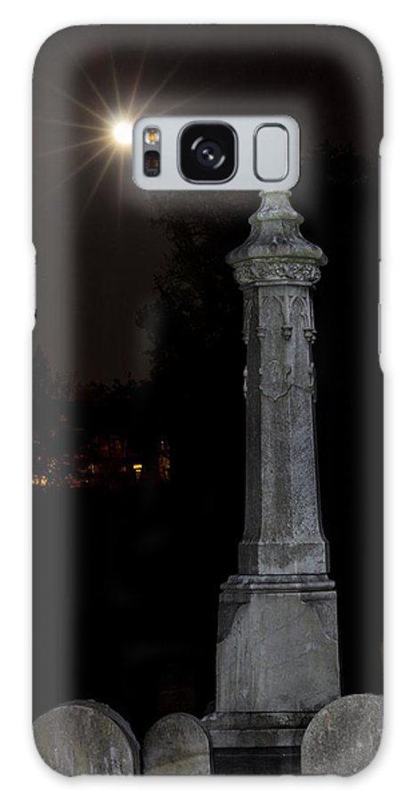 Hollywood Cemetery Moon Rise Galaxy S8 Case featuring the photograph Hollywood Cemetery Moon Rise by Jemmy Archer