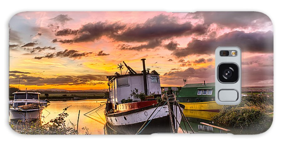 Sunrise Galaxy S8 Case featuring the photograph Houseboats On Velator Quay by Dave Wilkinson