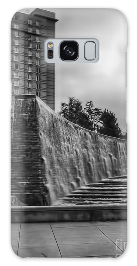 Waterwalk Galaxy S8 Case featuring the photograph Hyatt Regency Wichita by Jeremy Linot