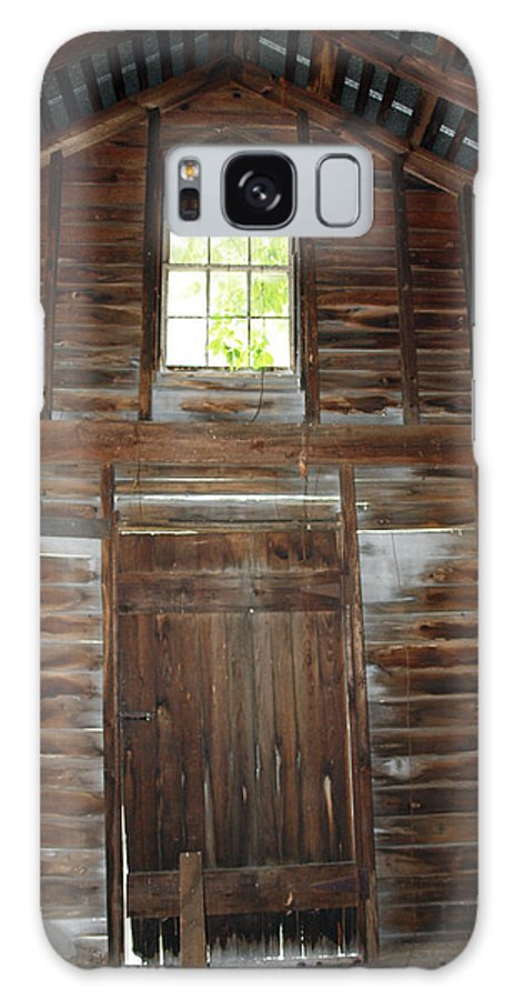Cabins Galaxy S8 Case featuring the photograph Inside The Barn by Robert Margetts