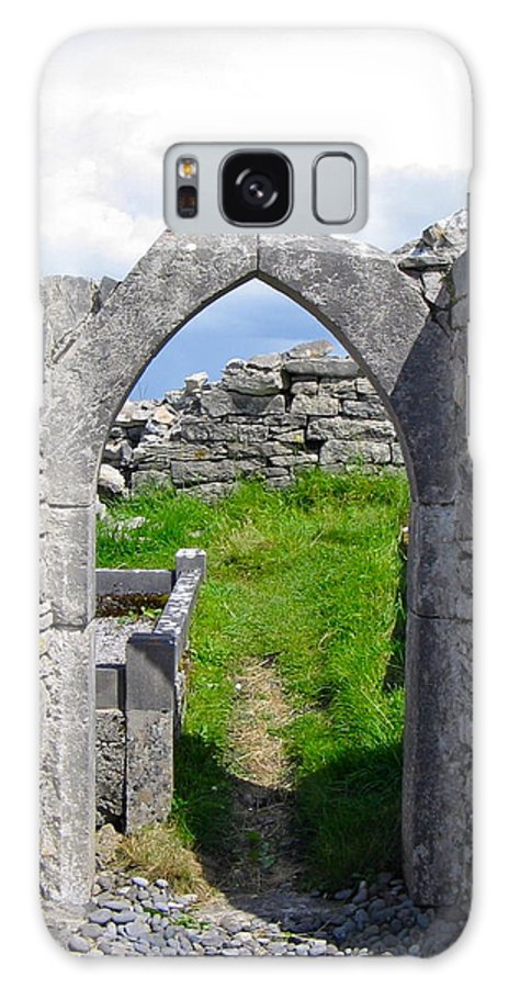 The Seven Churches Galaxy S8 Case featuring the photograph Irish Church Ruins by Denise Mazzocco