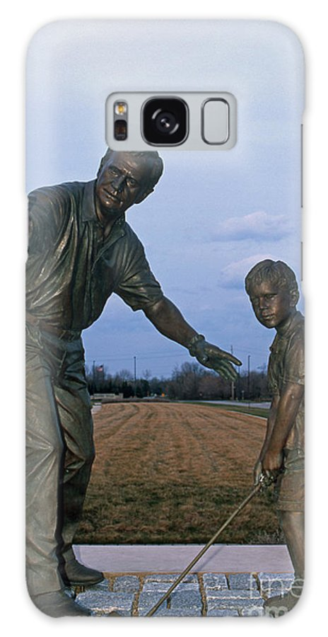 Jack Nicklaus Galaxy S8 Case featuring the photograph 36u-245 Jack Nicklaus Sculpture Photo by Ohio Stock Photography