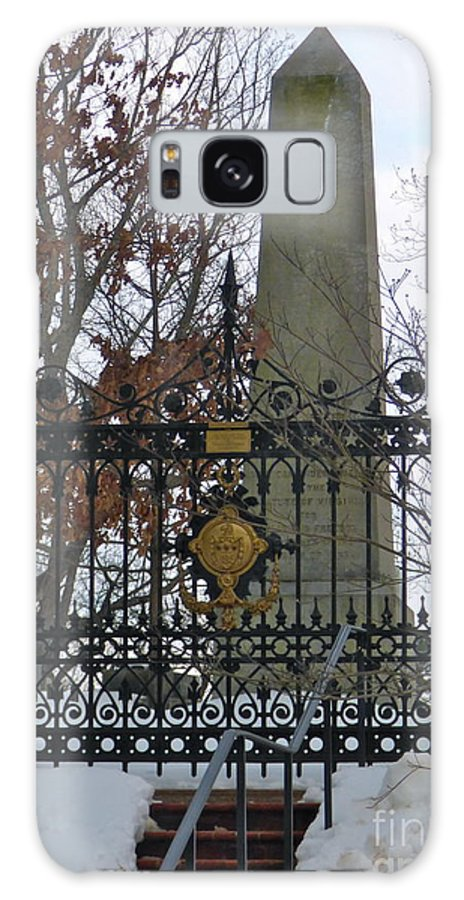 Thomas Jefferson Galaxy S8 Case featuring the photograph Jefferson's Grave by Jean Wright