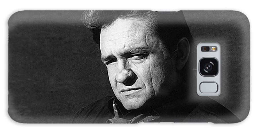 Johnny Cash Close-up The Man Comes Around Music Homage Old Tucson Az Walker Evans Dorothea Lange Great Depression Arkansas Book Of Revelation Hurt Video Galaxy S8 Case featuring the photograph Johnny Cash Close-up The Man Comes Around Music Homage Old Tucson Az by David Lee Guss