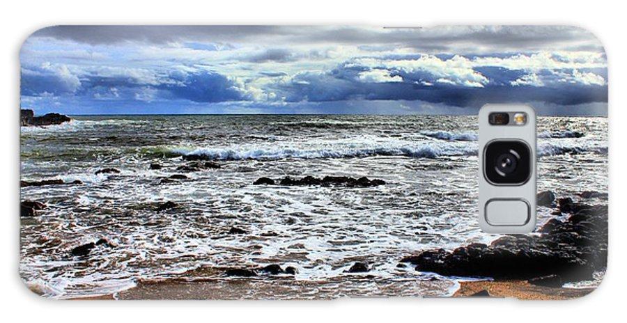 Hawaii Kauai Galaxy S8 Case featuring the photograph Kauai Glass Beach by Bob Kinnison