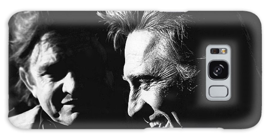 Kirk Douglas Laughing Johnny Cash Old Tucson Az Black And White Sunset Paul Newman Hombre The Life And Times Of Judge Roy Bean Galaxy S8 Case featuring the photograph Kirk Douglas Laughing Johnny Cash Old Tucson Arizona 1971 by David Lee Guss