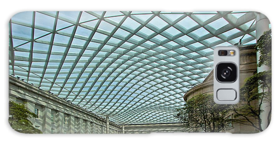 Kogod Galaxy S8 Case featuring the photograph Kogod Courtyard by Stuart Litoff