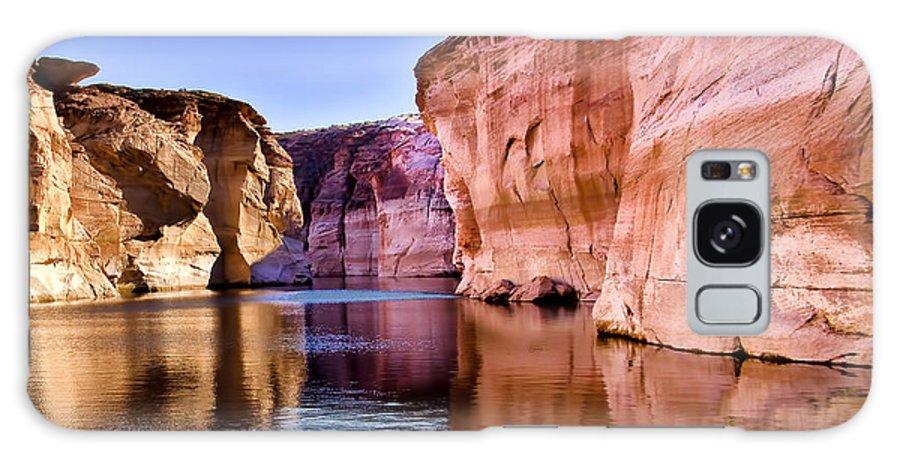 Lake Powell Utah Galaxy S8 Case featuring the photograph Lake Powell Antelope Canyon by Jon Berghoff