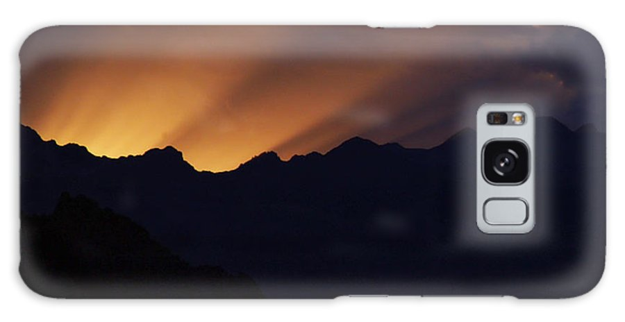 Sunset Galaxy S8 Case featuring the photograph Last Rays by Marilyn Hunt