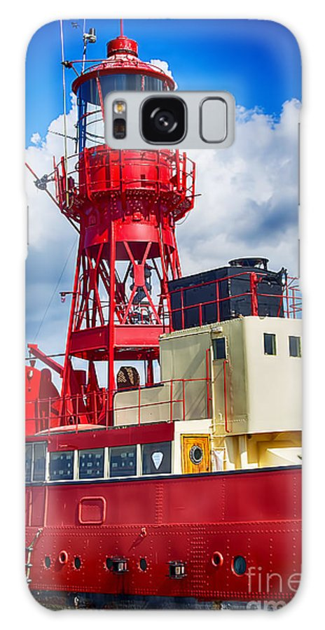 Tollesbury Lightship Canvas Galaxy S8 Case featuring the photograph Lightship Lv15 Trinity by Chris Thaxter