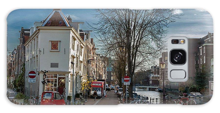 Holland Galaxy S8 Case featuring the photograph Lijnbaansgracht And Tweede Weteringdwarsstraat. Amsterdam by Juan Carlos Ferro Duque