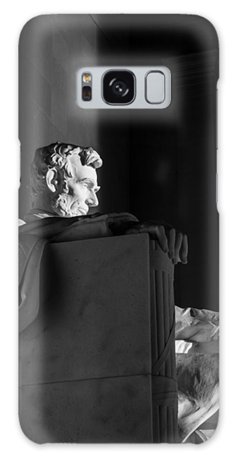 Andrew Pacheco Galaxy S8 Case featuring the photograph Lincoln Memorial Sunrise by Andrew Pacheco