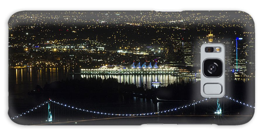 Lions Gate Bridge Galaxy S8 Case featuring the photograph Lions Gate Bridge At Night by Jeremy Oberg