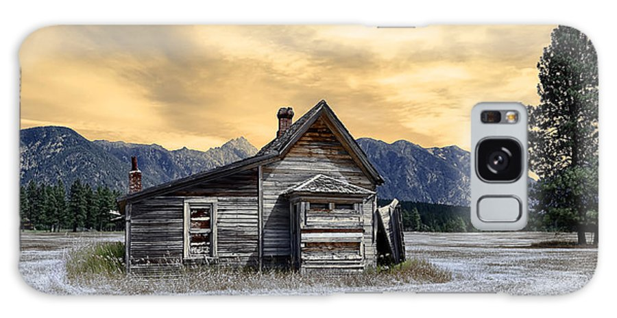 Architecture Galaxy S8 Case featuring the photograph Little House On The Prairie by Wayne Sherriff