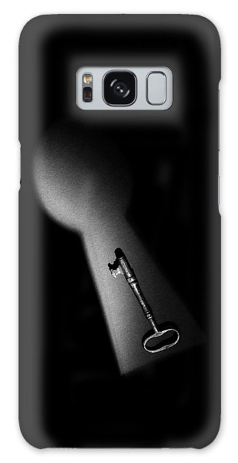 Skeleton Key Galaxy S8 Case featuring the photograph Lock And Key 1 by Mark Fuller