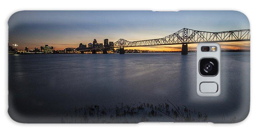 Louisville Galaxy S8 Case featuring the photograph Louisville Skyline At Dusk by Sven Brogren