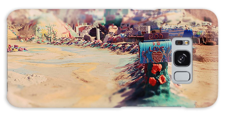 Salvation Mountain Galaxy S8 Case featuring the photograph Love Letters by Laurie Search