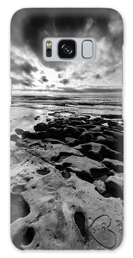 Ocean Galaxy S8 Case featuring the photograph Love On The Rocks Bw by William Murphy