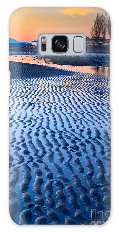 America Galaxy S8 Case featuring the photograph Low Tide In Seattle by Inge Johnsson