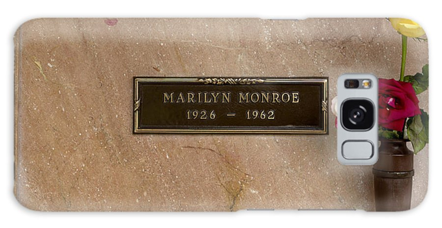 California Galaxy S8 Case featuring the photograph Marilyn Monroe's Grave In Westwood Village by Carol M Highsmith