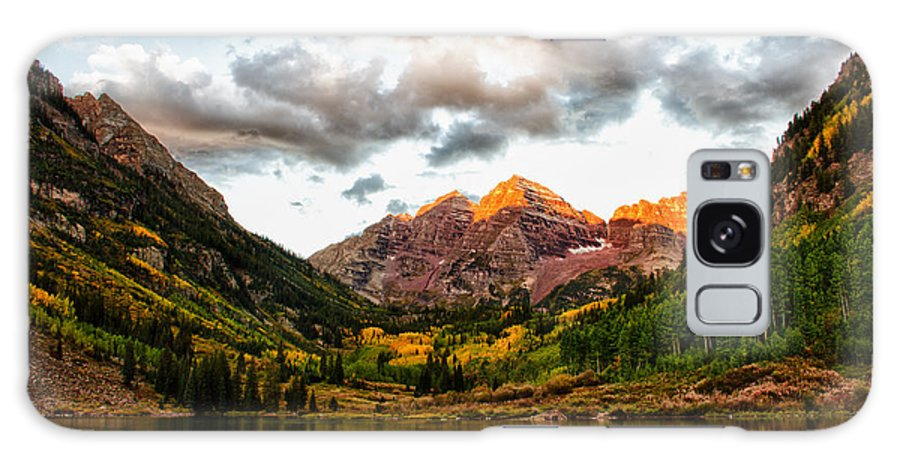 Maroon Bells Galaxy S8 Case featuring the photograph Maroon Bell Sunrise by Dawn Morrow