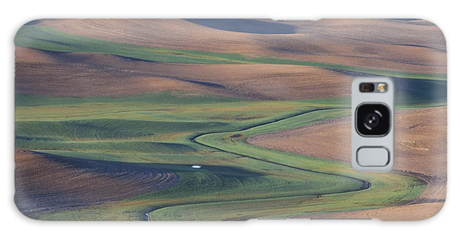 Palouse Galaxy S8 Case featuring the photograph Meander by Ross Murphy