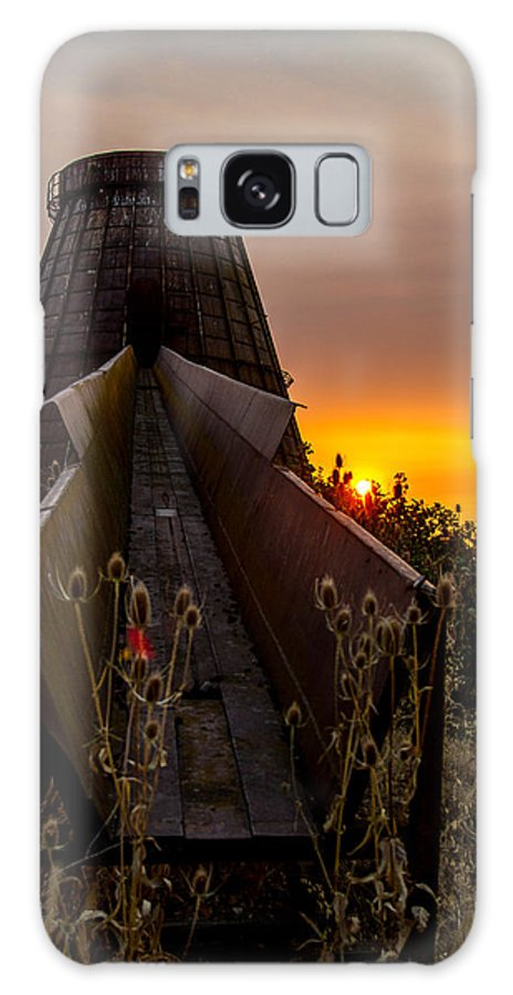 Mill Burner Galaxy S8 Case featuring the photograph Mill Burner by Andy Spliethof