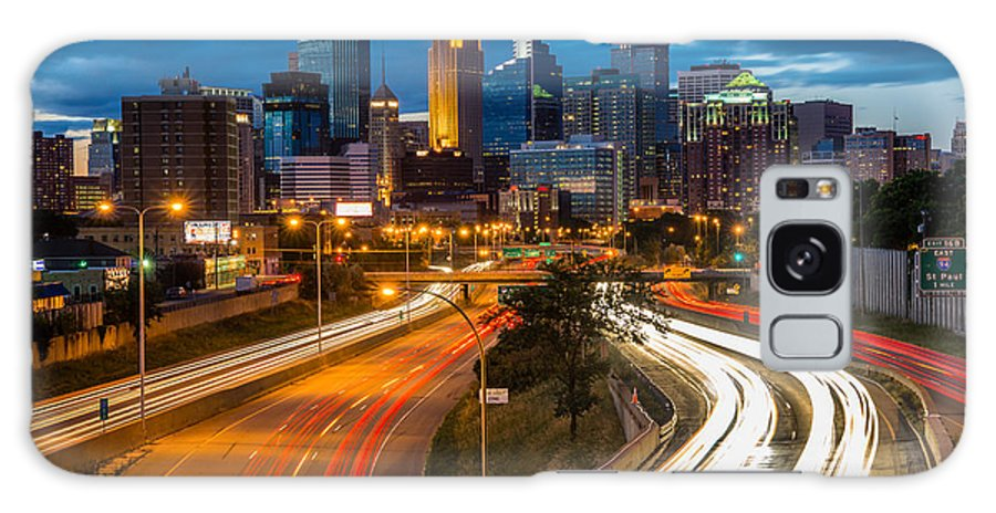Minneapolis Galaxy S8 Case featuring the photograph Minneapolis Light Trails by Mark Goodman