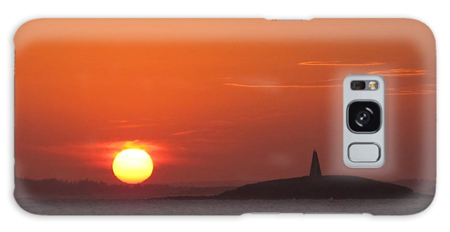 Glen's Lobster Galaxy S8 Case featuring the photograph Monumental Sunset by Donnie Freeman