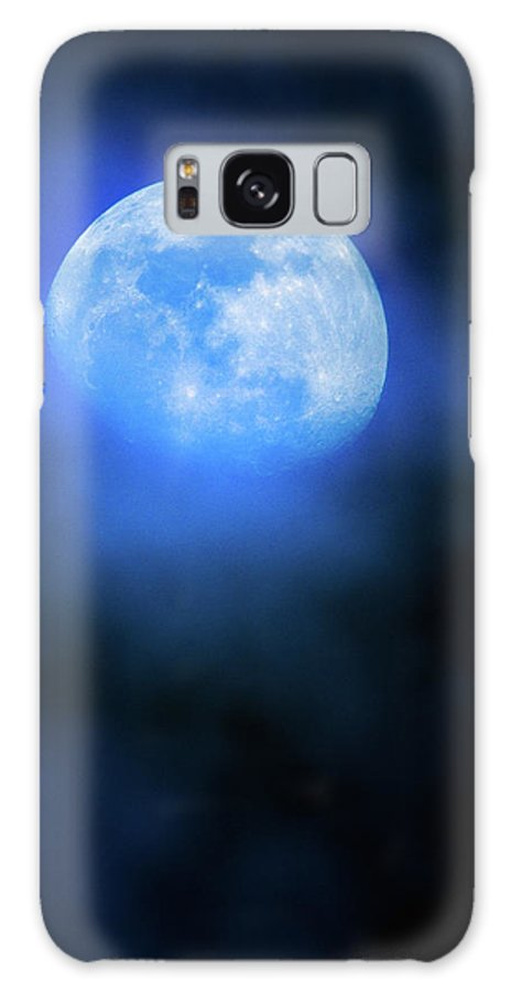 Moon Galaxy S8 Case featuring the photograph Moody Moon Through The Trees by Steven Llorca