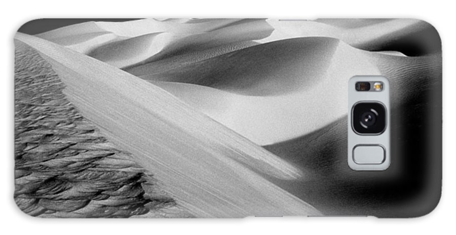 Sand Dunes Galaxy S8 Case featuring the photograph Moon Light Dunes by Paul W Faust - Impressions of Light