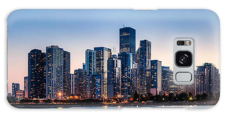 Chicago Galaxy S8 Case featuring the photograph Moonrise Over Chicago Skyline by Chris Smith