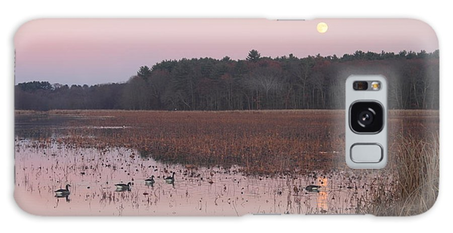 Moon Galaxy S8 Case featuring the photograph Moonrise Over Waterfowl Pond by John Burk
