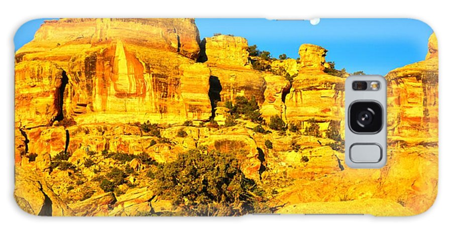 Colorado National Monument Galaxy S8 Case featuring the photograph Moonset by Ray Mathis