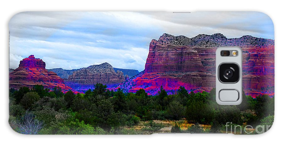 Sedona Arizona Galaxy S8 Case featuring the photograph Glorious Morning In Sedona by Beverly Guilliams