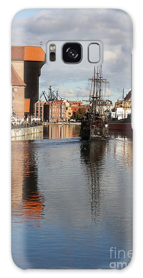 Motława River Galaxy S8 Case featuring the photograph Motlawa River And Port Crane by Christiane Schulze Art And Photography