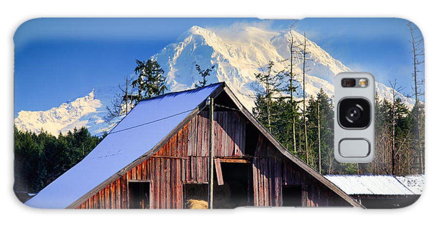 America Galaxy S8 Case featuring the photograph Mount Rainier And Barn by Inge Johnsson